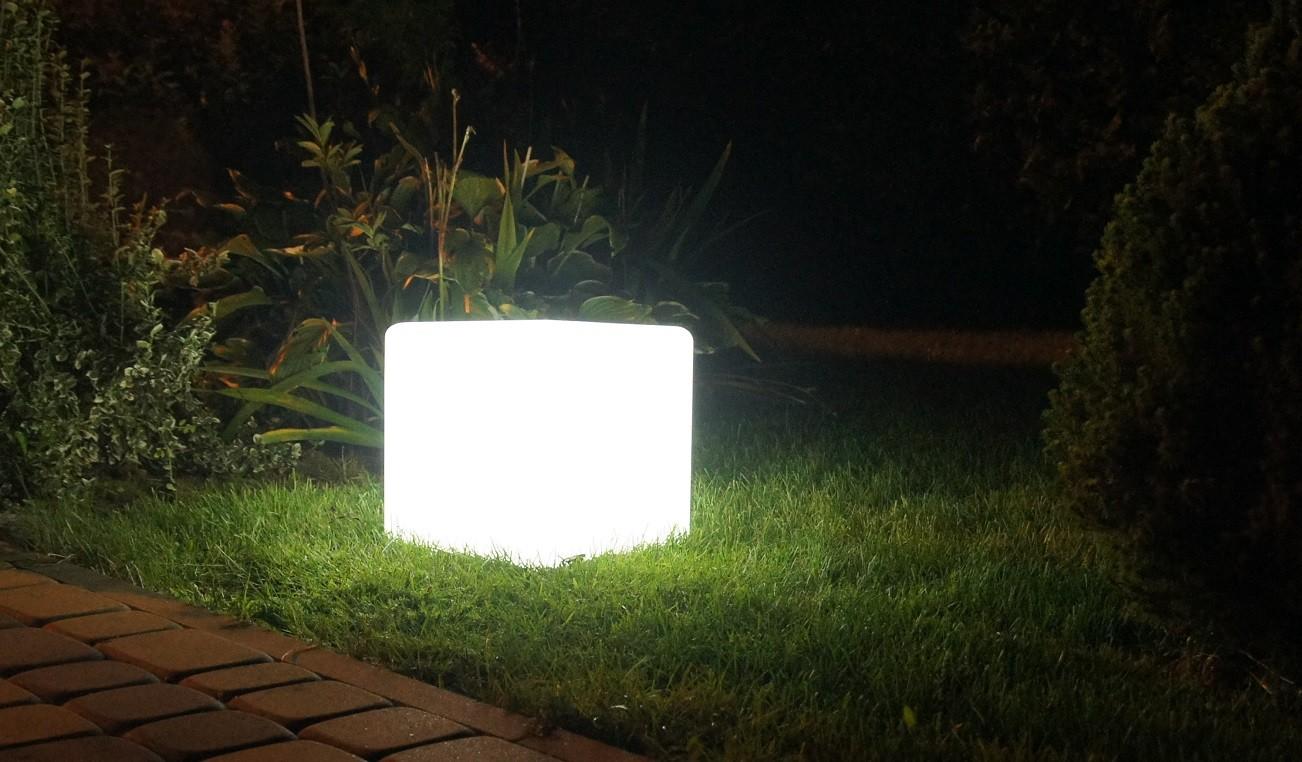 lampa-kostka-led-rgb.jpg
